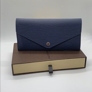 LV NAVY EPI LEATHER SARAH WALLET NM - Brand New